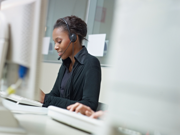 african-american-woman-customer-service